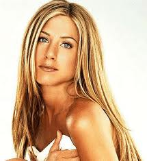 jennifer aniston shoulders