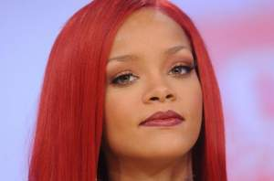 rihanna workout face pic