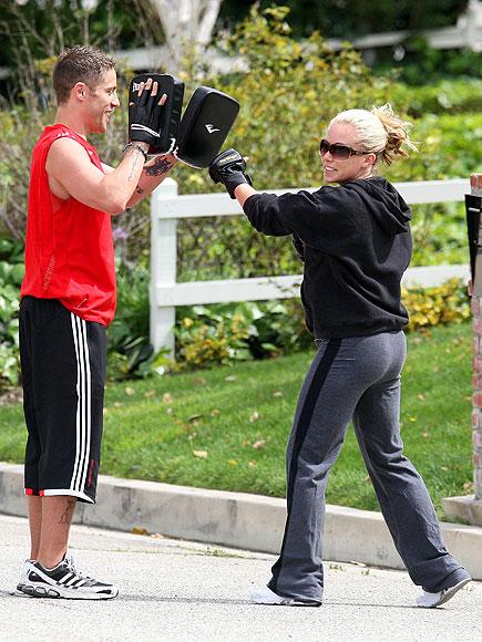 kendra wilkinson workout cardio boxing