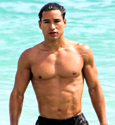 mario-lopez-workout-chest-arms-abs