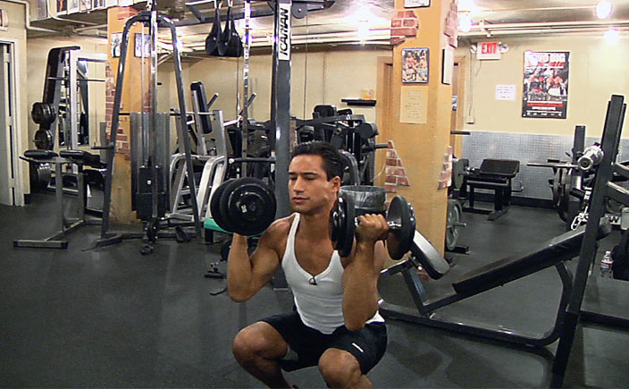 mario-lopez-workout-routine-squat-press