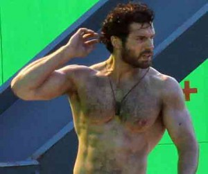 henry-cavill-workout-superman-shirtless-chest-abs-hairy