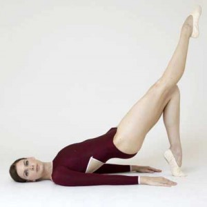 one-legged-hip-bridge-natalie-portman-black-swan-leg-workout