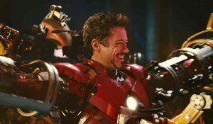 Robert-Downey-Jr-workout-iron-man-2-suit