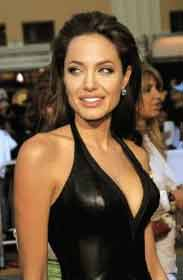 angelina-jolie-workout-chest-and-shoulders