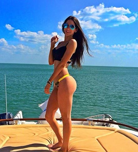 jen selter butt workout showing off her legs and glutes
