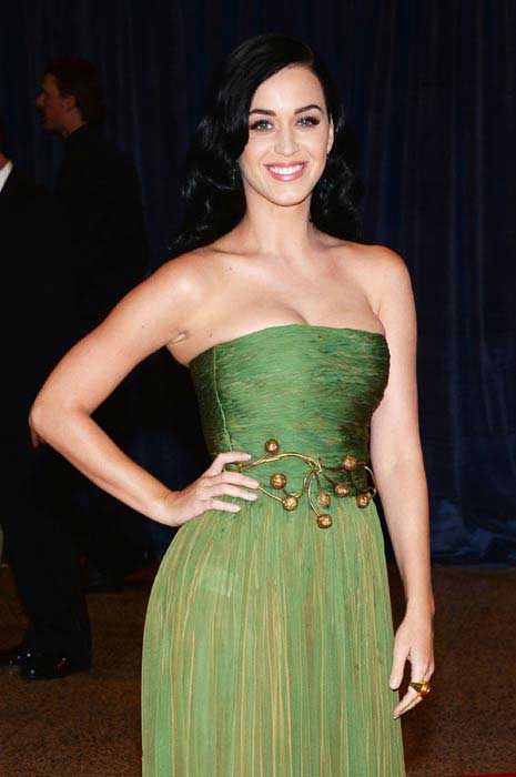 katy perry staying slim workout posing in green dress