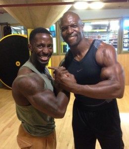 terry-crews-workout-biceps-guns-shoulders
