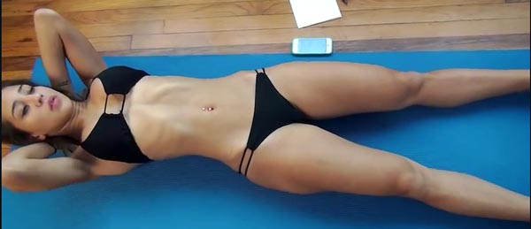 15 Minute Abs Workout : Vicky Justiz • Pop