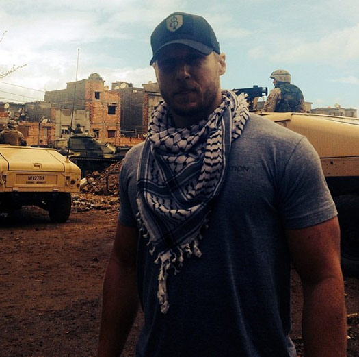 personal-trainer-jason-walsh-on-set-american-sniper