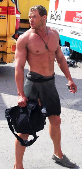 Kellan Lutz Workout Routine Shows Off His Chest Arms Abs