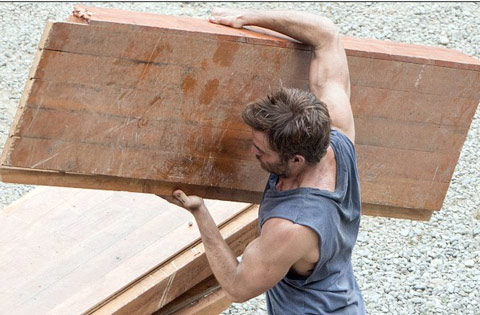 Chris Pine showing off His muscles while doing metabolic circuit training