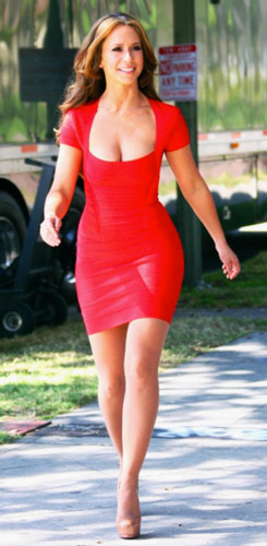 JLH workout shows her walking in a red dress