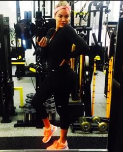 Khloe-Kardashian-Workout-Body-Outfit