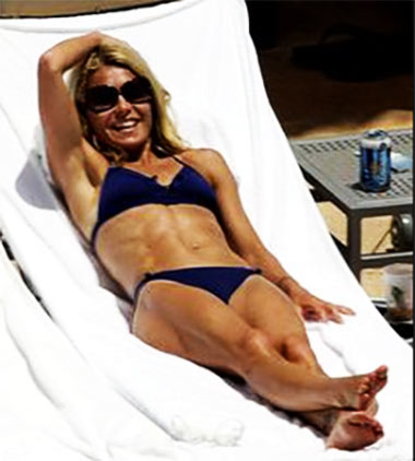 Kelly Ripa Abs