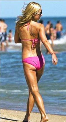 Kelly Ripa Bikini Body Workout