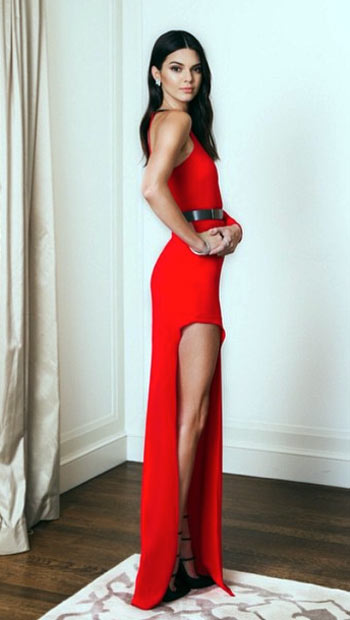 Kendall Jenner looks skinny In red dress