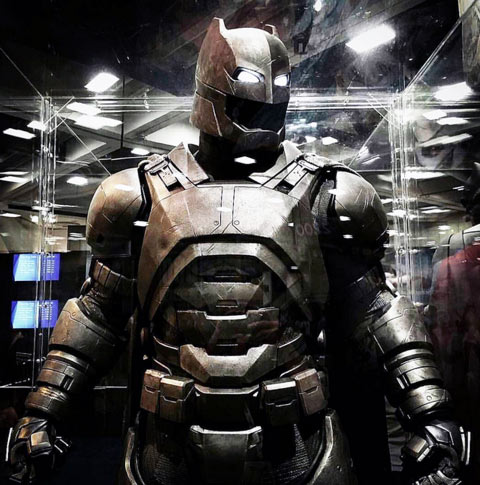 Batman Suit 2016 Movie Photo