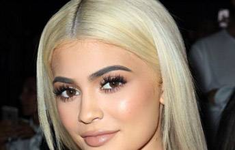 Kylie Blond Hair Picture 2016